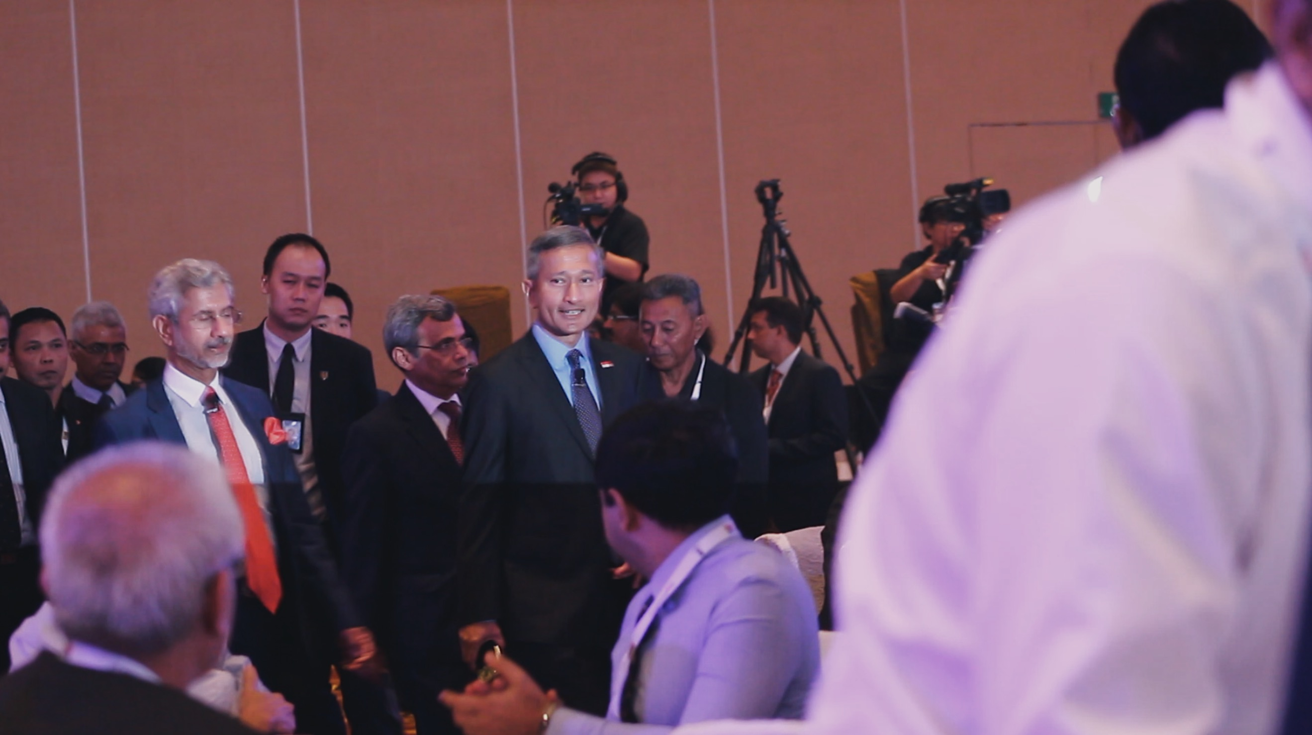 Dr Subrahmanyam Jaishankar, External Affairs Minister, India, arriving with Dr Vivian Balakrishnan, Minister for Foreign Affairs, Singapore. Photo: Connected to India