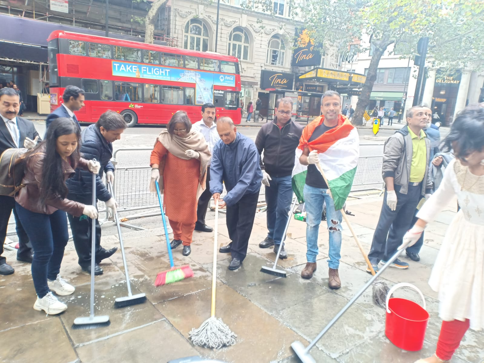 High Commissioner Ruchi Ghanshyam along with Deputy High Commissioner Charan Jeet Singh and a good number of people of Indian origin cleaned up the mess left by protestors outside the Indian consulate.