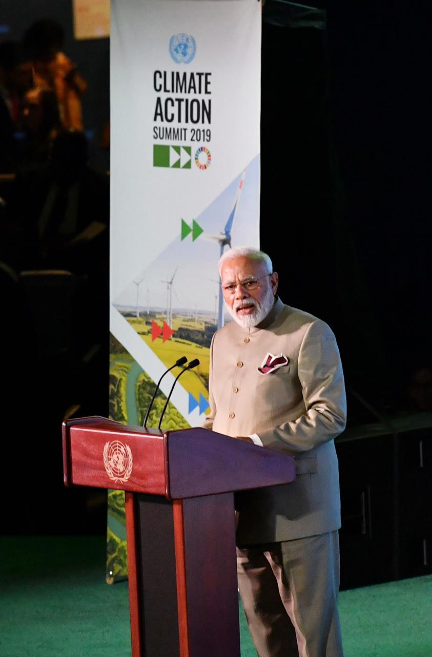 Narendra Modi speaking at the UN Climate Summit. Photo courtesy: Twitter/@MEAIndia
