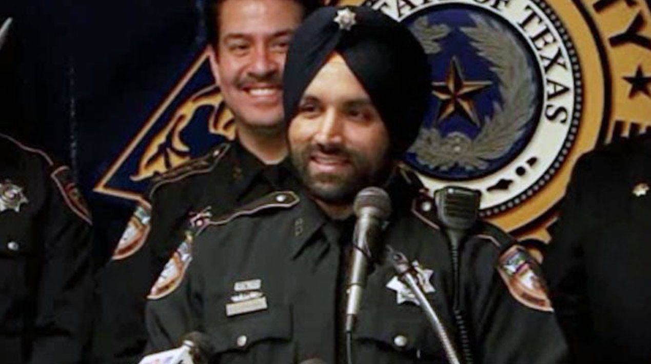 Indian-American Sikh cop Sandeep Dhaliwal, a 10-year veteran of the Texas police department, was shot and killed during a traffic stop. Photo courtesy: Twitter/@HCSOTexas