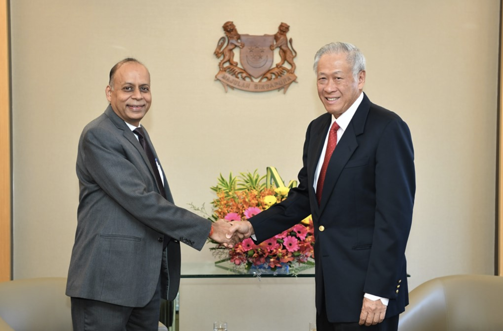 Dr Kumar (left) with Minister for Defence Dr Ng Eng Hen (right) at the Ministry of Defence. Photo courtesy: MINDEF