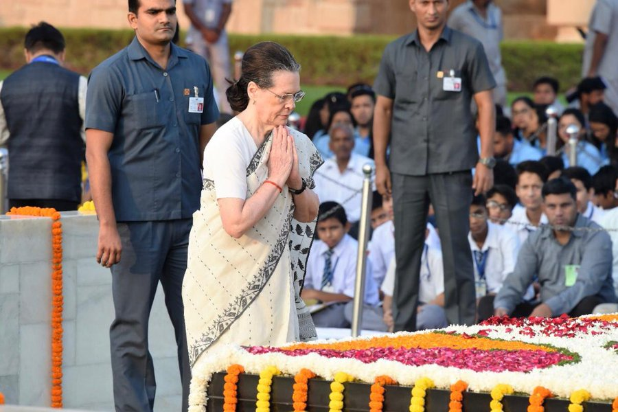 Indian National Congress president Sonia Gandhi paying tribute to MAhatma Gandhi at Rajghat. Photo courtesy: Twitter/@INCIndia
