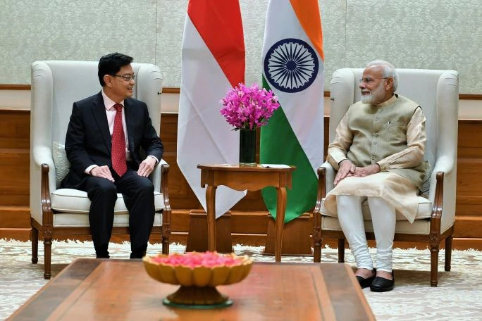 Singapore DPM Heng Swee Keat (left) pointed to the transformative steps taken by the Indian Government and noted the consequent enhancement in investment opportunities during his visit with Indian PM Narendra Modi. Photo courtesy: narendramodi.in