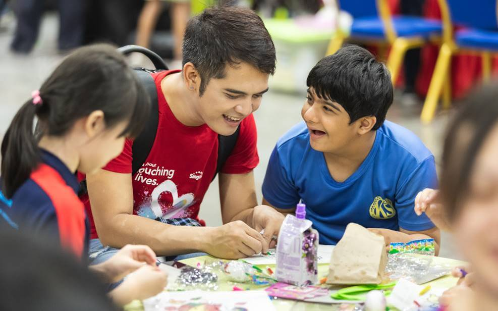 Look at those smiles! Photo courtesy: Singtel