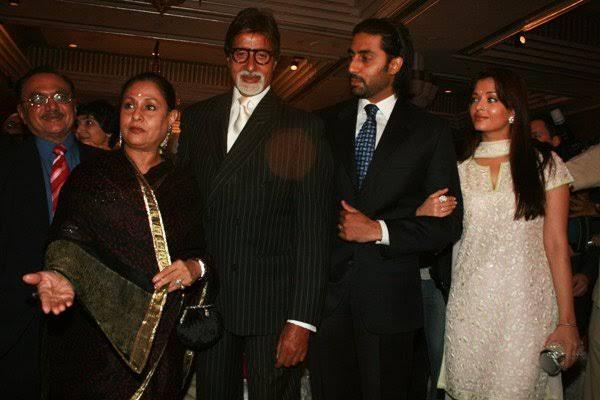 Vinod Khanna (left) with Amitabh Bachchan (centre) and Shatrugan Sinha. Photo courtesy: Twitter/@ShatruganSinha