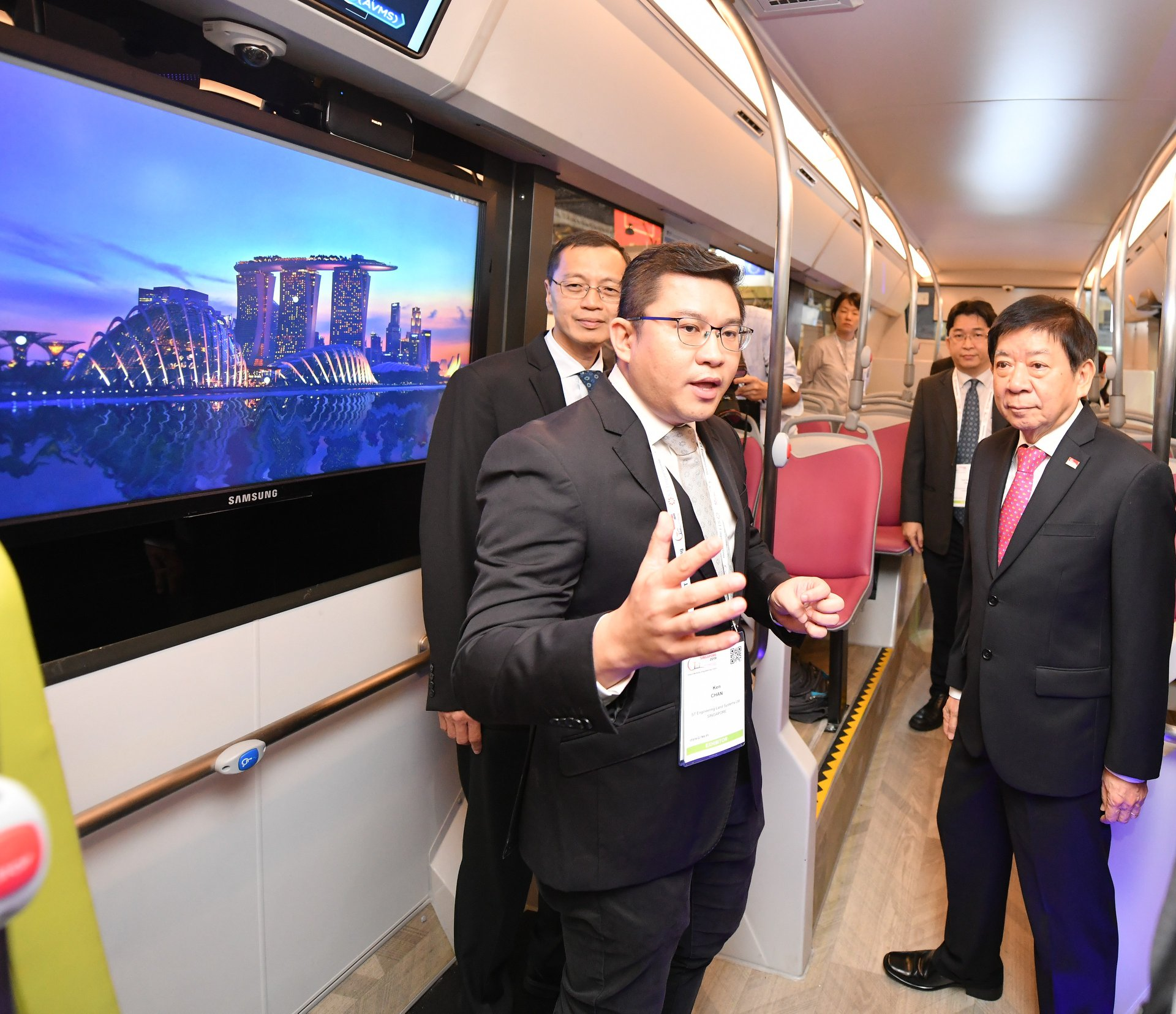 The 12-metre Strobo autonomous bus developed by ST Engineering is one of the many innovations showcased at the ITS World Congress exhibition at Suntec Singapore Convention & Exhibition Centre. Photo courtesy: ITS World Congress