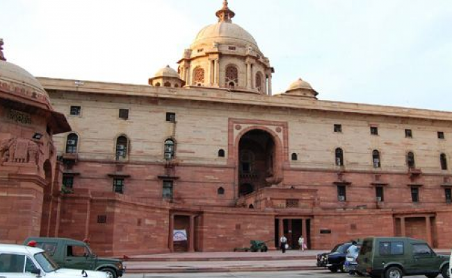 According to the Indian Finance Ministry, OCIs are at par with NRIs as far as eligibility for applying for NPS is concerned. Photo courtesy: Wikimedia
