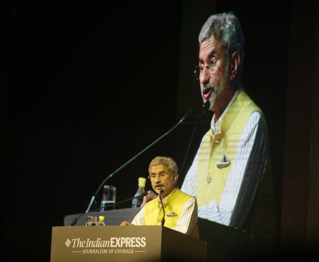 External Affairs Minister S Jaishankar delivering the Ramnath Goenka memorial lecture. Photo courtesy: Twitter/@MEAIndia
