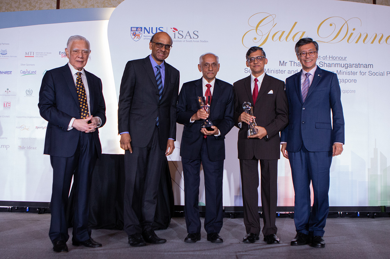 From left to right: ISAS chairman Gopinath Pillai, Senior Minister Tharman Shanmugaratnam, veteran civil servant J. Y. Pillay,  Mr Manzoor Hasan, receiving The Outstanding Member of the South Asian Diaspora (OMSAD) Award on behalf of Brac founder Fazle Hasan Abed, given to Sir Fazle Hasan Abed, founder and Chair Emeritus of BRAC and NUS president Tan Eng Chye at the 4th South Asian Diaspora Convention by ISAS. Photo: ISAS