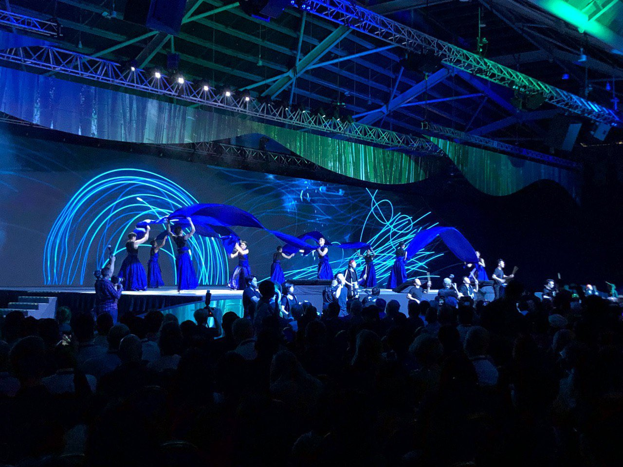 A beautiful opening performance on sustainability and climate change at SFF x SWITCH 2019. Photo courtesy: Switch Singapore Twitter