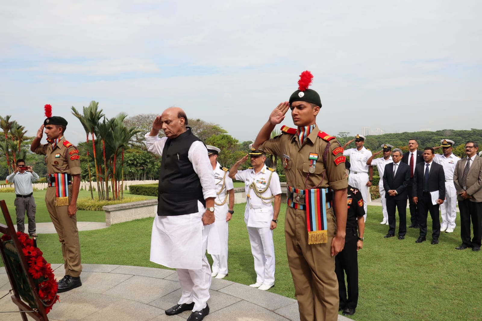 Rajnath Singh at the Kranji War Memorial in Singapore paid tributes to those men and women who laid down their lives in the line of duty during the Second World War. Photo courtesy: HCI Singapore
