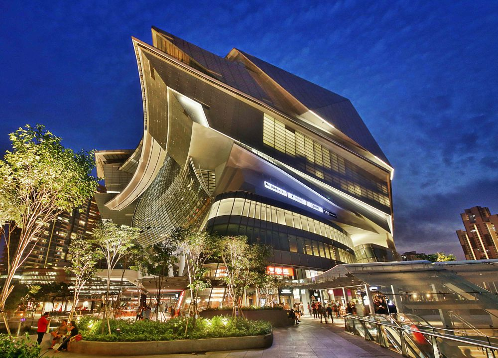 Located next to the Buona Vista MRT Interchange, The Star Vista is part of a 15-storey integrated development which also includes a 5,000-seat auditorium. Photo courtesy: Capitaland