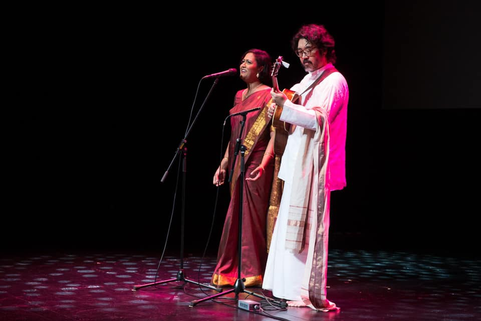 At the launch event, Rani Singam, jazz singer, and Andrew Lim, jazz guitarist, performed a beautiful rendition of the Thamizh Thaai invocation – a song that denotes the deified personification of the Tamil language as a mother. Photo courtesy: Iswaran FB
