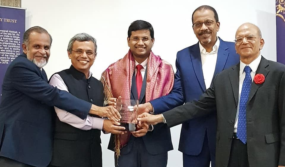 NMP Mohammed Irshad presented the 7th Abdeali Tayebali Life Time Achievement Award by HE Jawed Ashraf, High Commissioner of India to Singapore for working towards making Singapore a more caring, compassionate and cohesive society. Photo Courtesy: Ameerali Abdeali