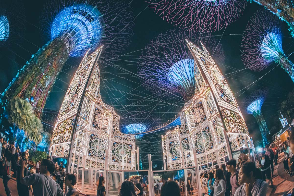 Be dazzled by majestic luminarie light sculptures, including a stunning 21-metre tall Spalliera inspired by the iconic towers of San Gimignano in Tuscany, Italy, as well as Asia's tallest luminarie Christmas tree. Photo courtesy: Christmas Wonderland