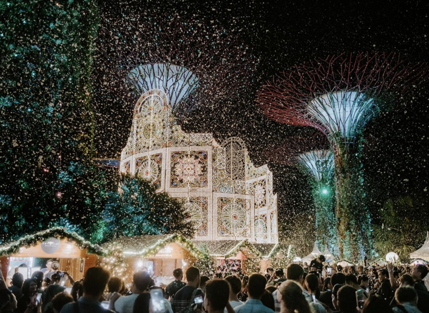 Grab your cameras and get ready for some picture perfect moments as you experience the wonders of 'snow' against a stunning backdrop of luminarie light sculptures and the Supertrees daily in the heart of Gardens by the Bay. Photo courtesy: Christmas Wonderland