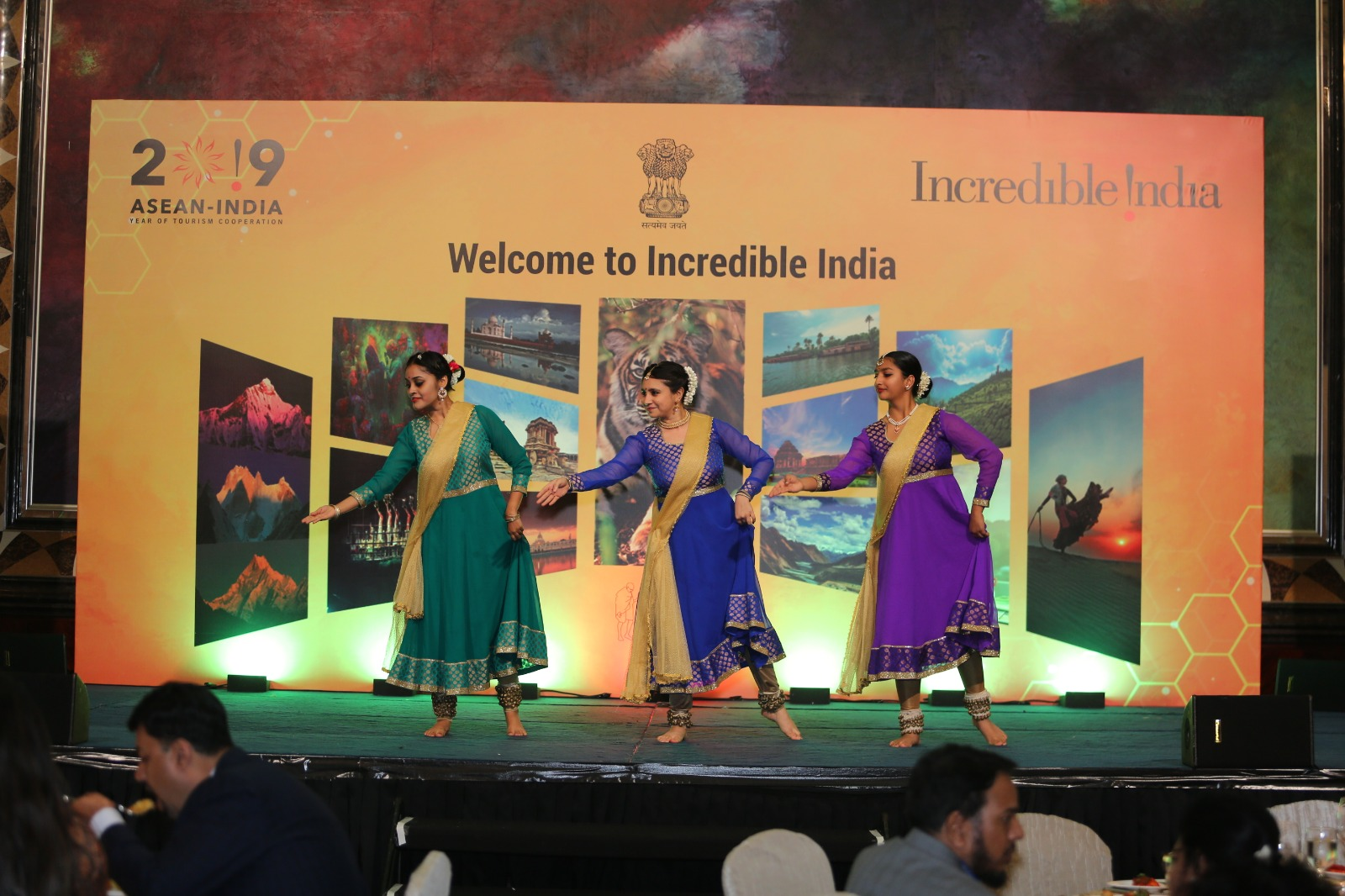 Cultural dance presentation at the Incredible India Roadshow and Business Meet held in Singapore on Dec 9. Photo Courtesy: Indian High Commission, Singapore