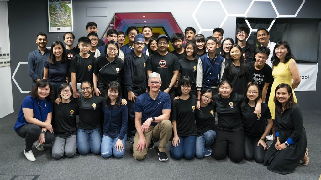 Tim Cook with students from the Swift Accelerator Programme, who are learning coding at Tinker Academy. Photo courtesy: Tim Cook, Twitter