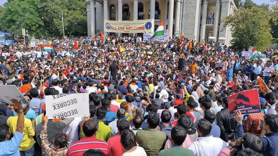 Bengaluru witnessed traffic snarls in various pockets as almost 100,000 protesters took to the street