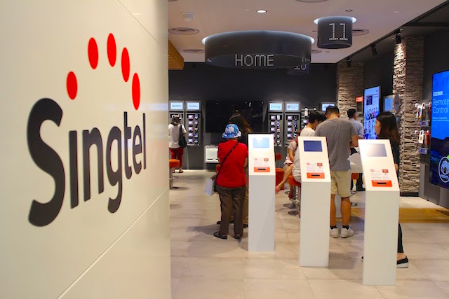 Singtel is partnering Grab to apply for digital bank licence in Singapore. Photo courtesy: Singtel