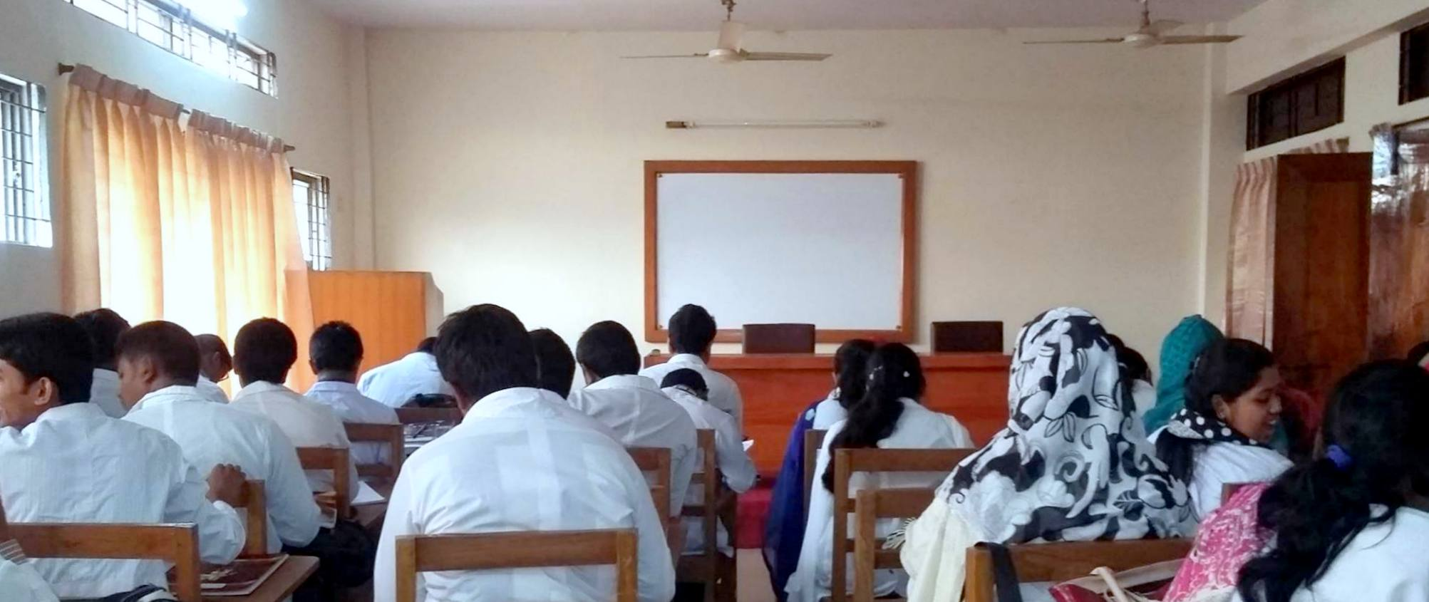 Previous regulations did not allow private doctors to teach at government medical colleges.