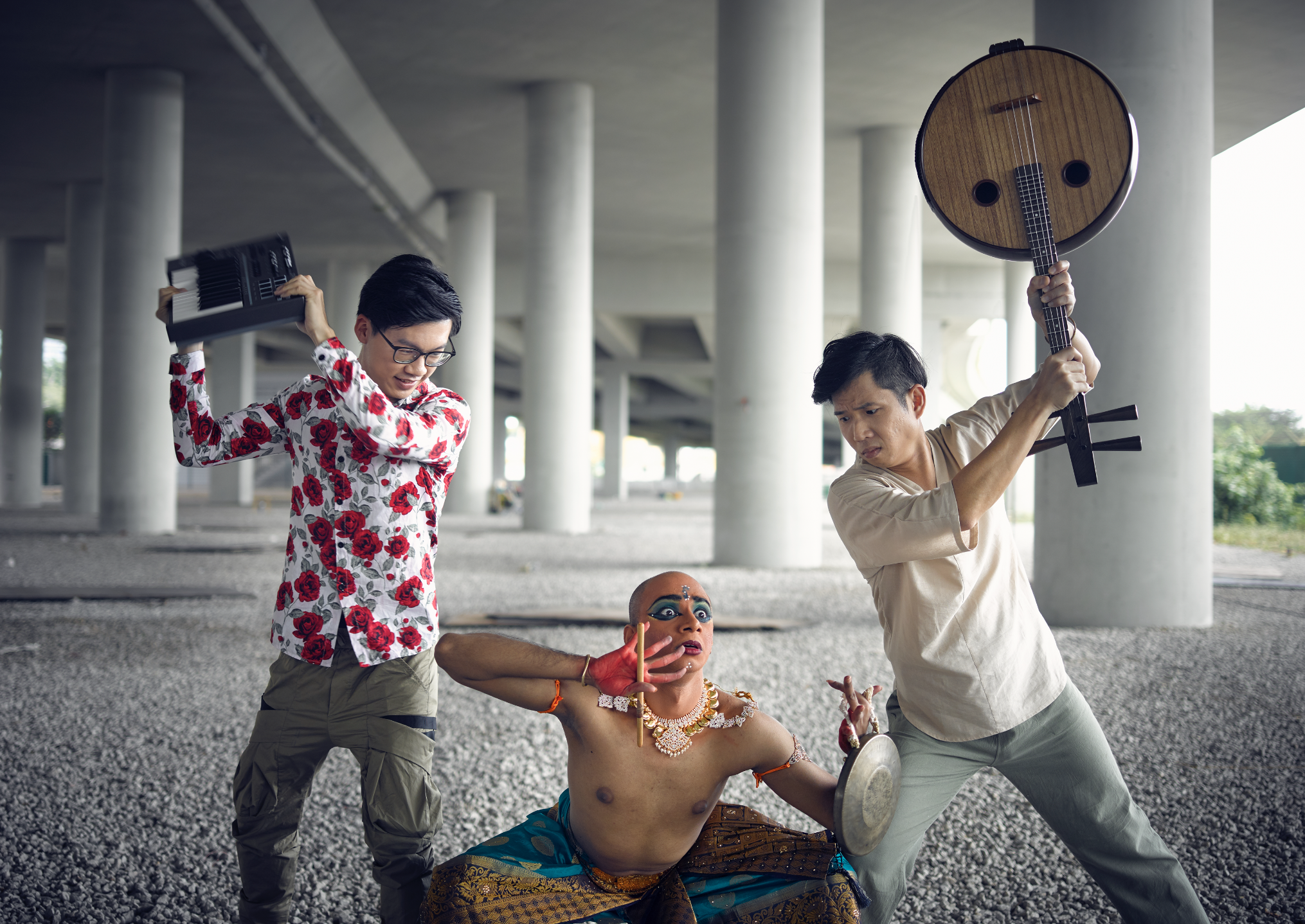 Night Walker cast (from left) sound designer Aw Wei Zheng, Bharatanatyam dancer Bala Saravanan Loganathan, and Ruan musician Neil Chua. Photo courtesy: Singapore Chinese Cultural Centre