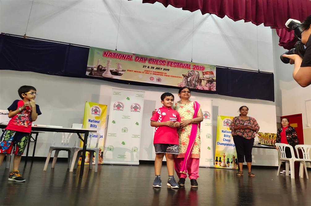 Grade 2 GIIS SMART Campus student Nivaan Khandhadia won the first prize in Boys U8 category at the Singapore National Blitz Chess Championships 2019, held on July 27. Photo courtesy: GIIS
