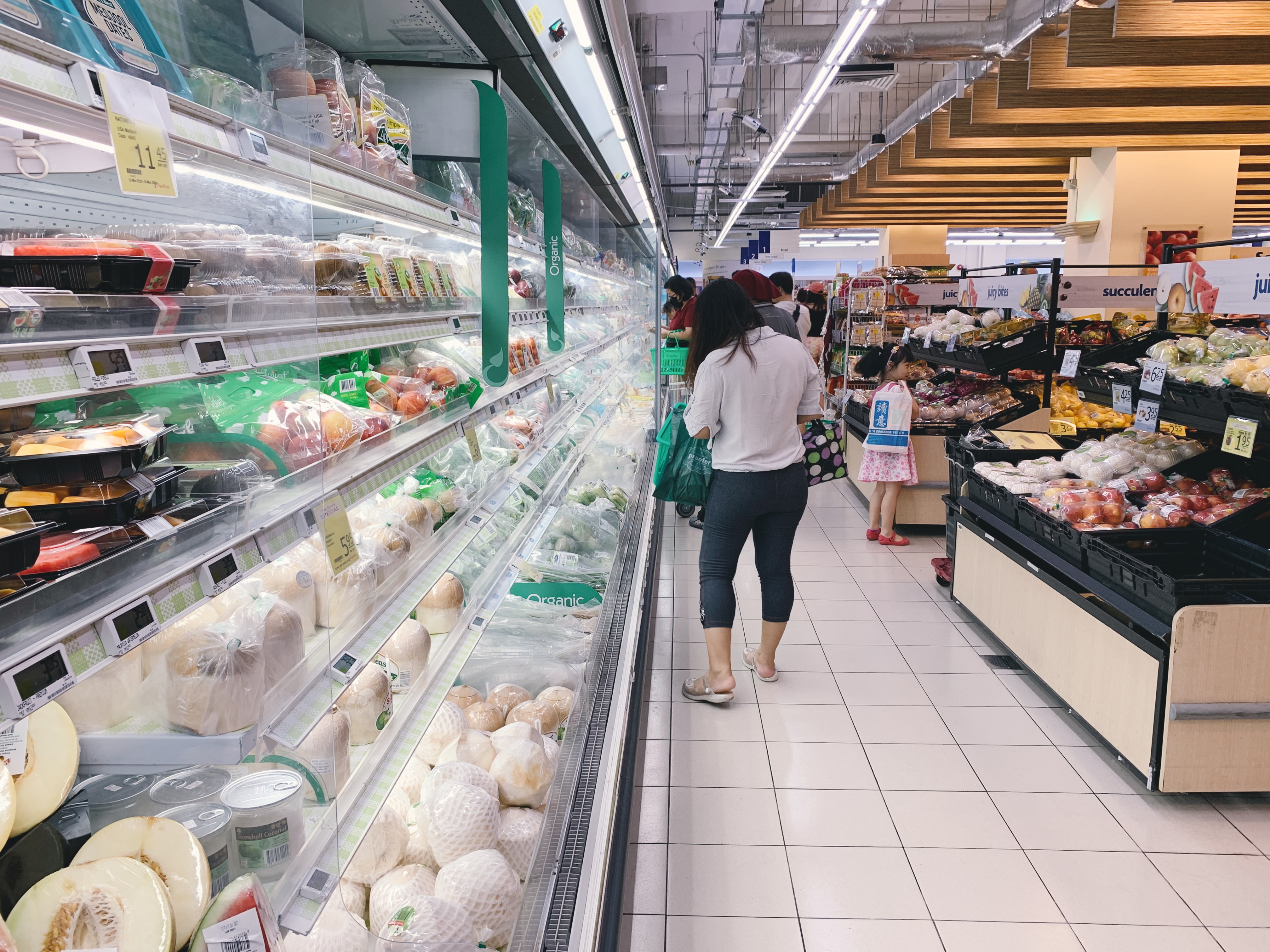 NTUC Fairprice at Hillion Mall was relatively empty on the afternoon of March 17, Tuesday. Photo: Connected to India