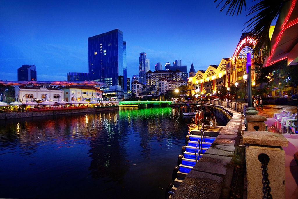 Singapore announces further measures to curb the spread of COVID-19, including shutting down nightclubs, discos and cinemas. Photo courtesy: William Cho on Wikimedia