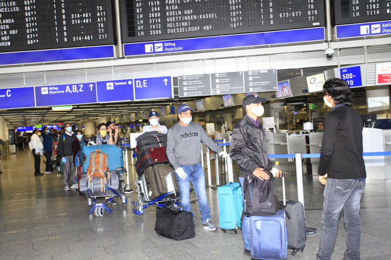 Indian citizens line up for a repatriation flight from Frankfurt to Delhi. Photo courtesy: Twitter/@eoiberlin