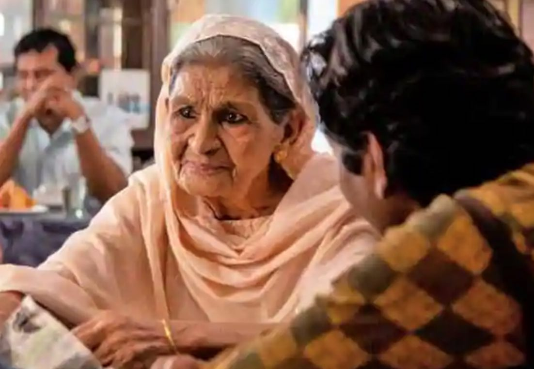 It's a casting coup! with the motley cast with Shrishti Srivastava as Guddu, 85-year-old Farouk Jafer as Fatima the grand old lady who owns Fatima Mahal and  the strong women. Photo Courtesy: Twitter