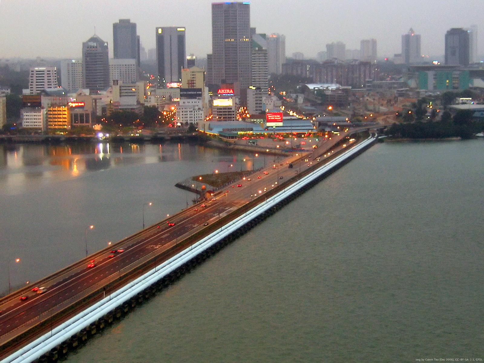 Singapore-Johor causeway. Photo courtesy: Wiki