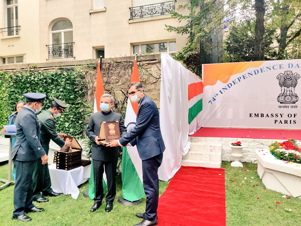 Indian Ambassador  @JawedAshraf5  unfurled the national flag and read out President's address. He also felicitated members of Indian community for their humanitarian services extended during the time of Covid-19.