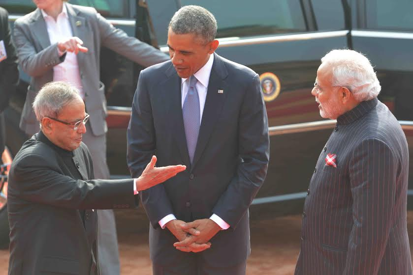 US President, Mr.  @BarackObama  being welcomed by President Shri Pranab Mukherjee an