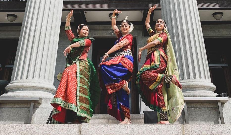 Motherhood Dance featuring Shantha Rathi, Chitra Sankakaran & Pallavi Sharma. Photo Courtesy: IHC