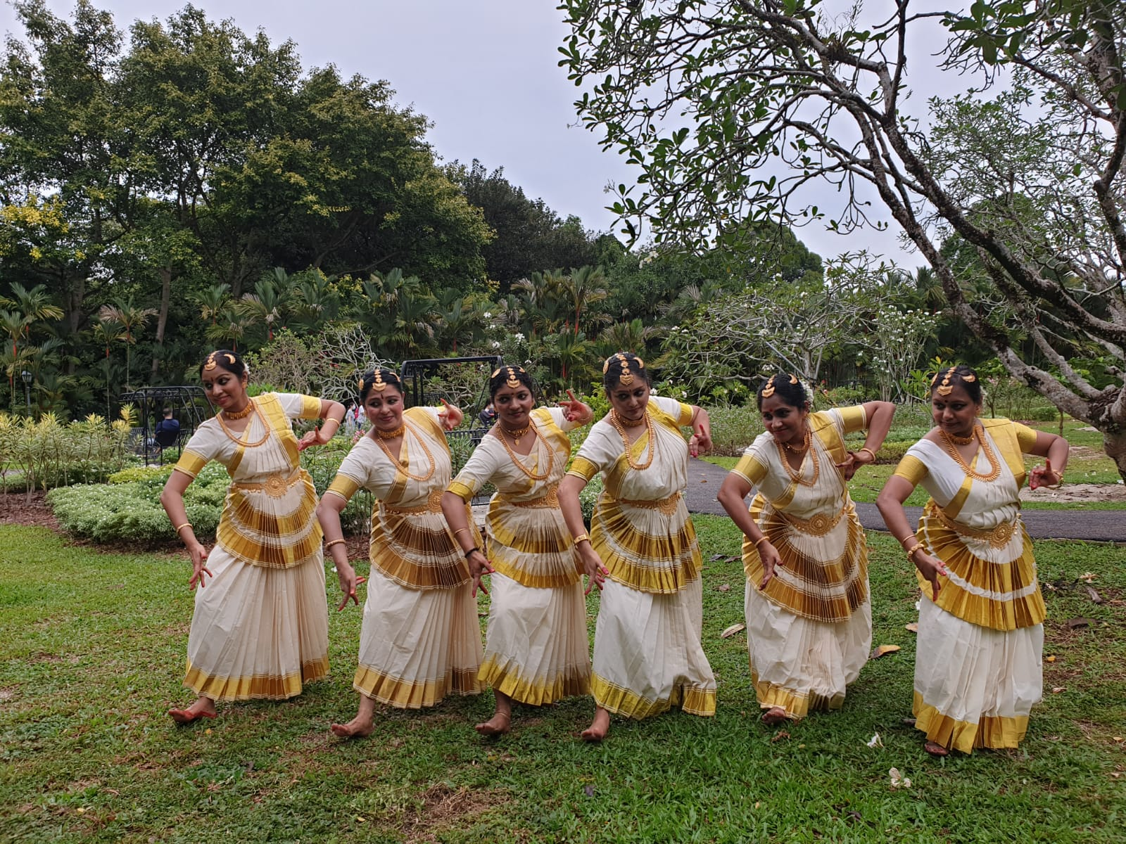 Mohiniyattam by Medasvi School of Dance, Singapore's director Haritha Haridas and team. Photo Courtesy: IHC