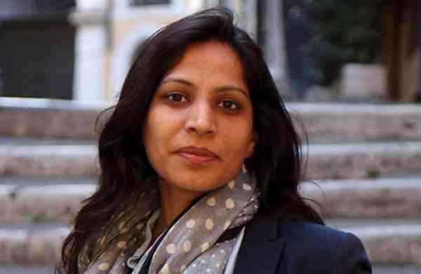Indian-origin academician Swati Dhingra. Photo courtesy: Twitter/@swatdhingraLSE