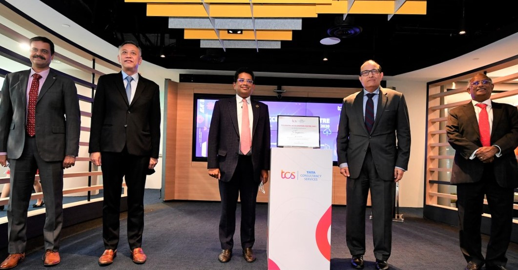S Iswaran, Minister for Communications and Information, with (from left) Ameet Nivsarkar (Vice President and Country Head, TCS Singapore who gave the opening address), Lim Kok Kiang (EVP, Economic Development Board), Girish Ramachandran (President, TCS Asia Pacific who gave the closing address), and KV Rao (Resident Director, ASEAN, Tata Sons).