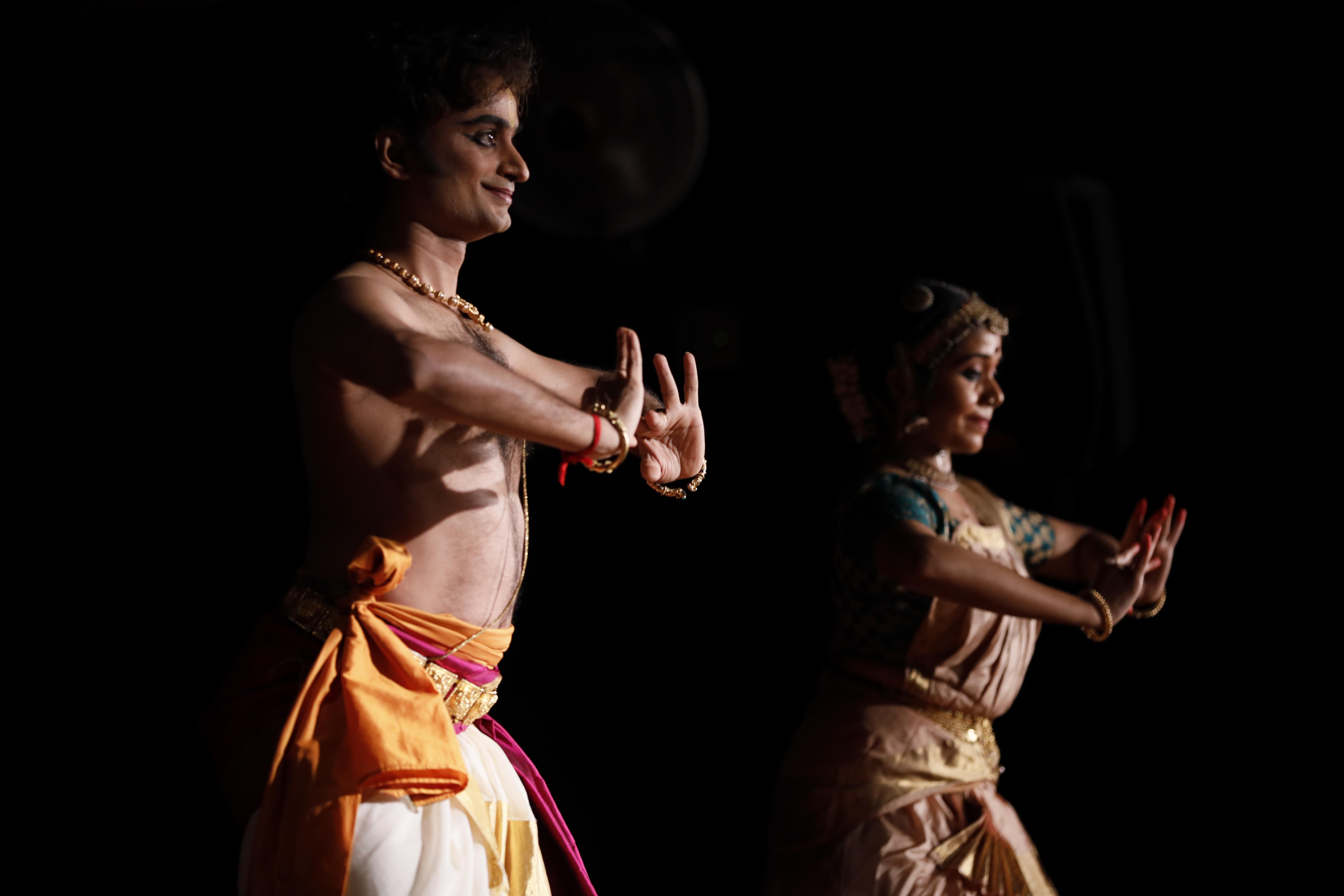 Performances included those by Gurus, Alumni and Students of SIFAS at Deepavali Sangamam 2020. Photo Courtesy: SIFAS