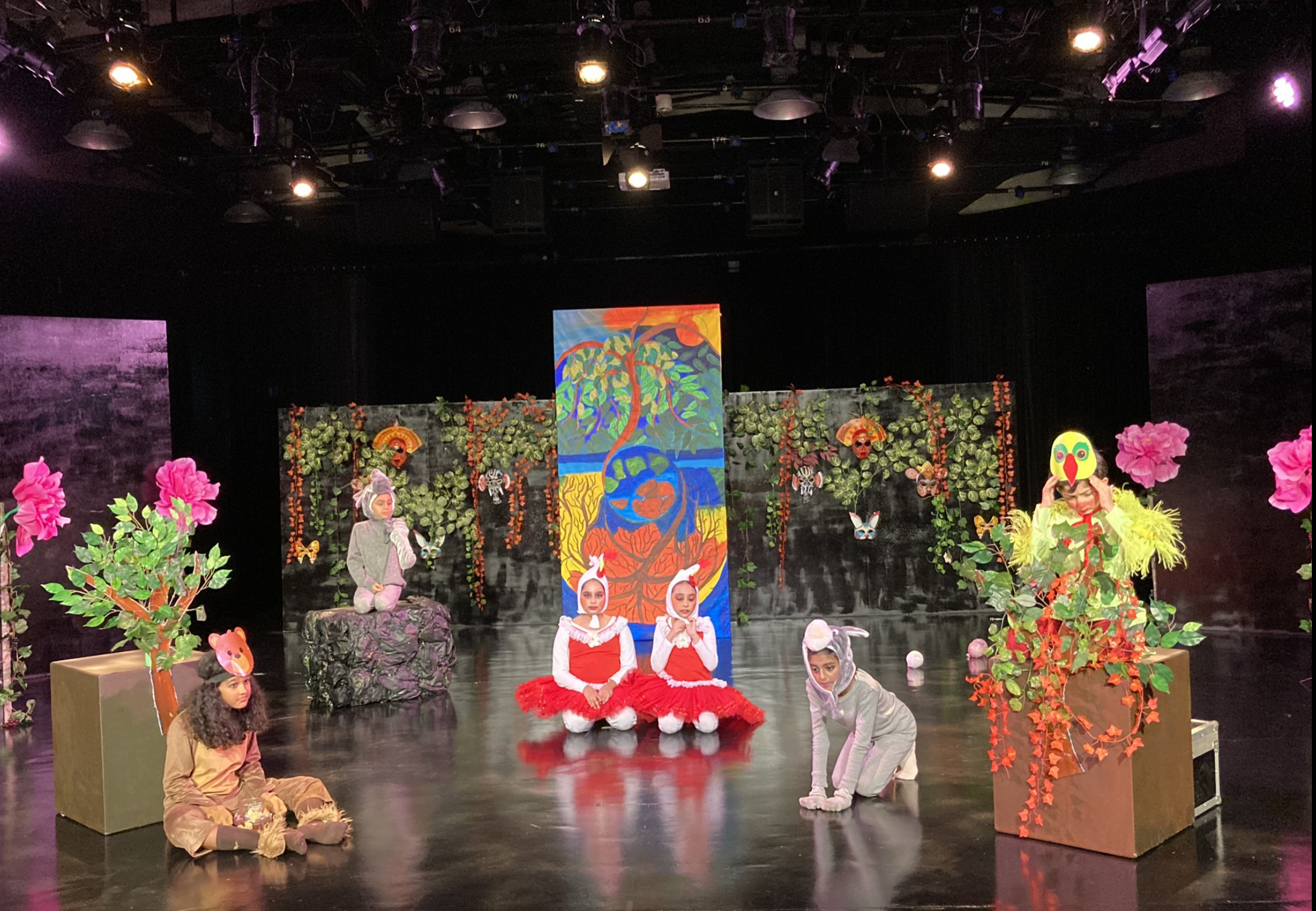 Dastak's Chhota Packet children's production is the first play in Hindi, produced and shot in  Singapore,  being premiered on an Asia Pacific wide channel. Photo Courtesy: Dastak
