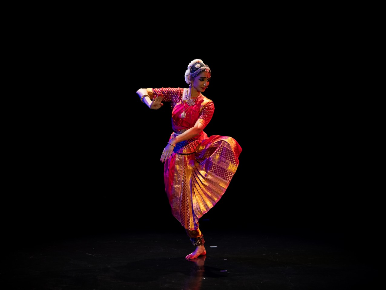 Apsaras Arts said it was honoured, as Dr Roshni is not only a student of Shrimathi Neila Sathyalingam but also the recipient of the Bharatha Kala Mani award from Apsaras Arts in 2016. Photo Courtesy: Apsaras Arts