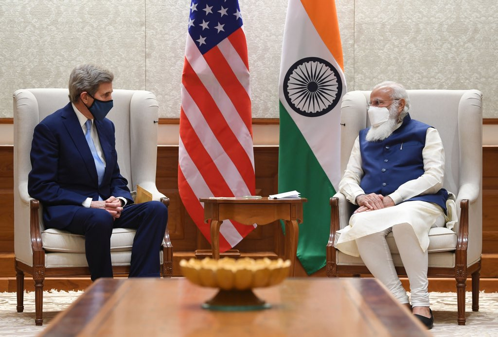 Special Presidential Envoy for Climate John Kerry (left) called on Prime Minister Narendra Modi in New Delhi. Photo courtesy: Twitter/@tanvi_madan