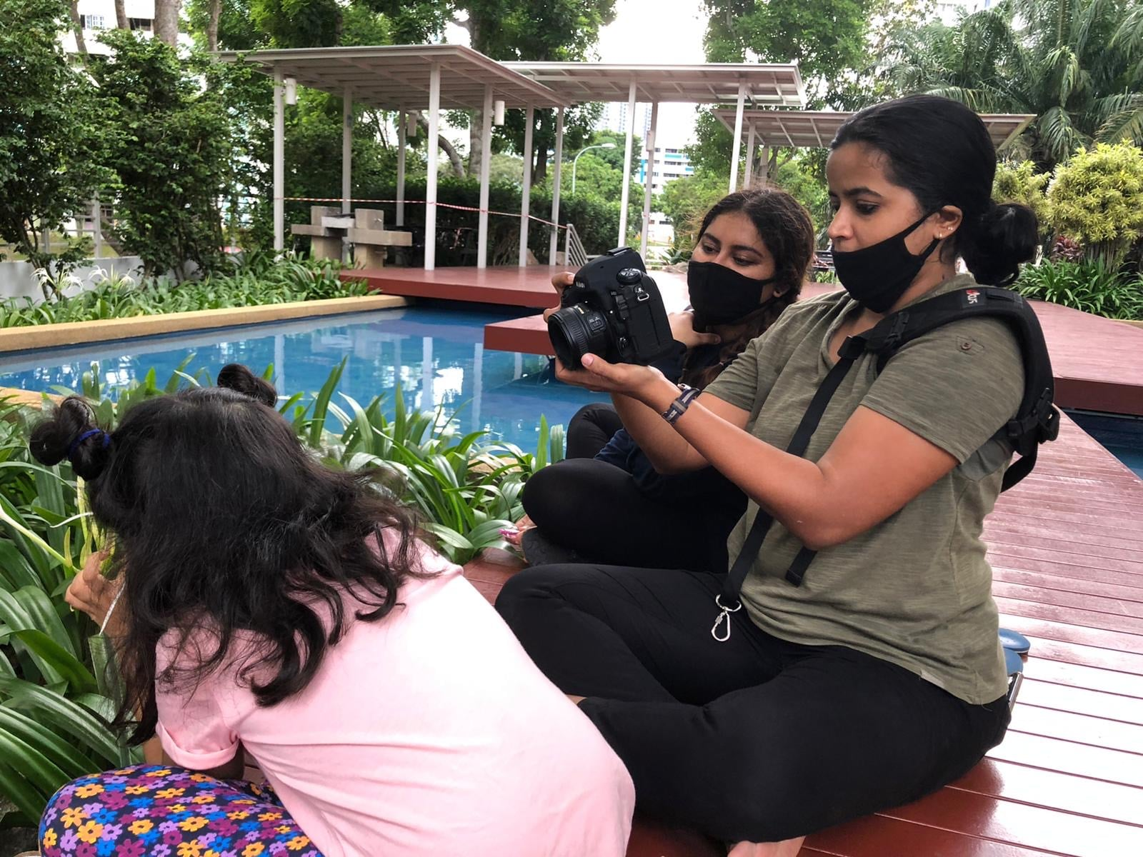 Mini Director Uma Kalyani and Debutant Cinematographer Remya Warrier filming Eka Shukla playing Mini. Photo courtesy: Uma Kalyani