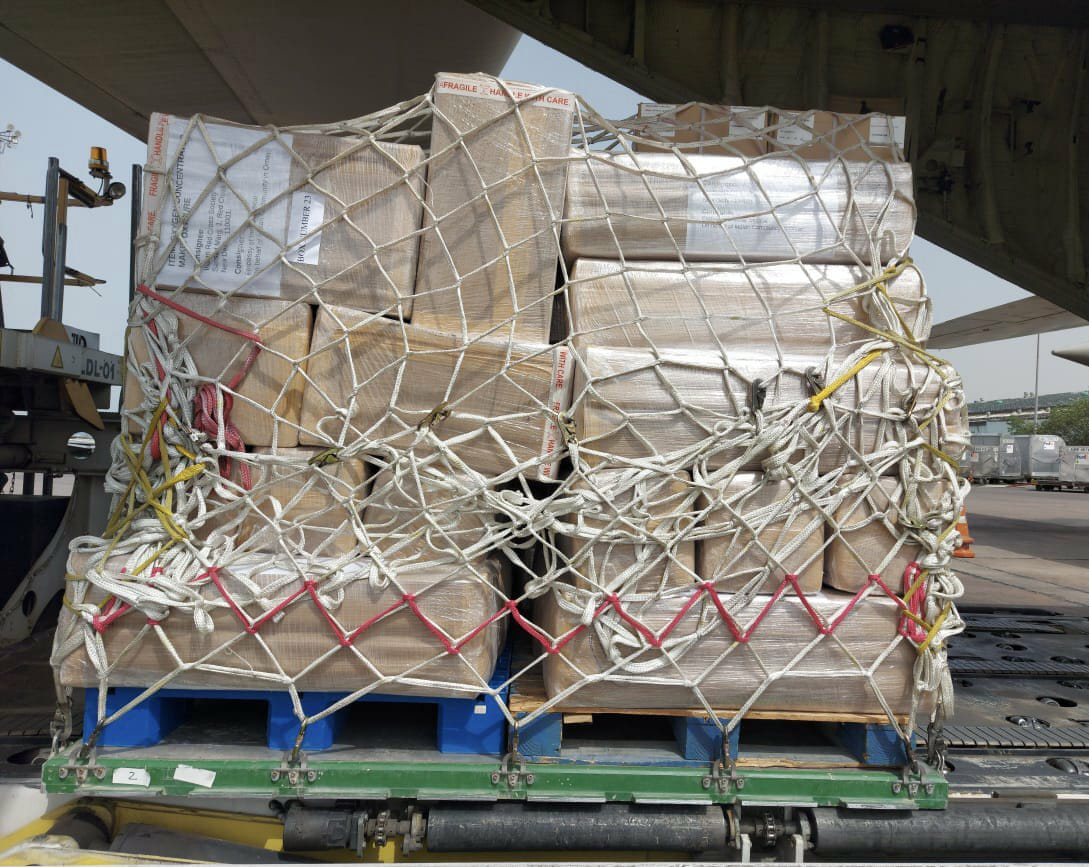 Shipment of 36 ventilators, vital medicines & other medical equipment as well as 30 oxygen concentrators and 100 oxygen cylinders from the Indian community in Oman. Photo courtesy: MEA