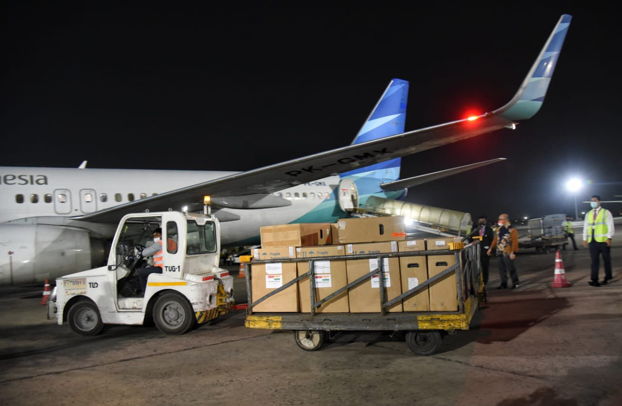 Aid arriving from Indonesia. Photo courtesy: MEA