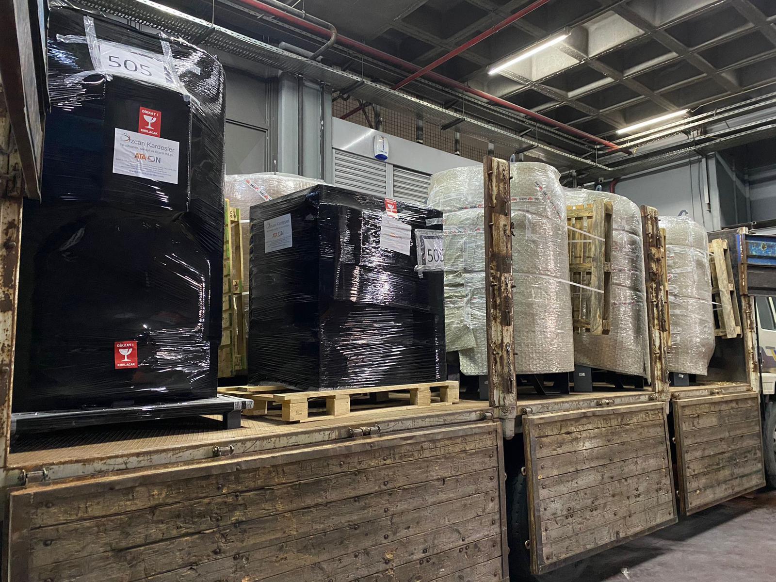PSA plants loaded at Turkey for Delhi. Photo courtesy: www.iimalumni.sg