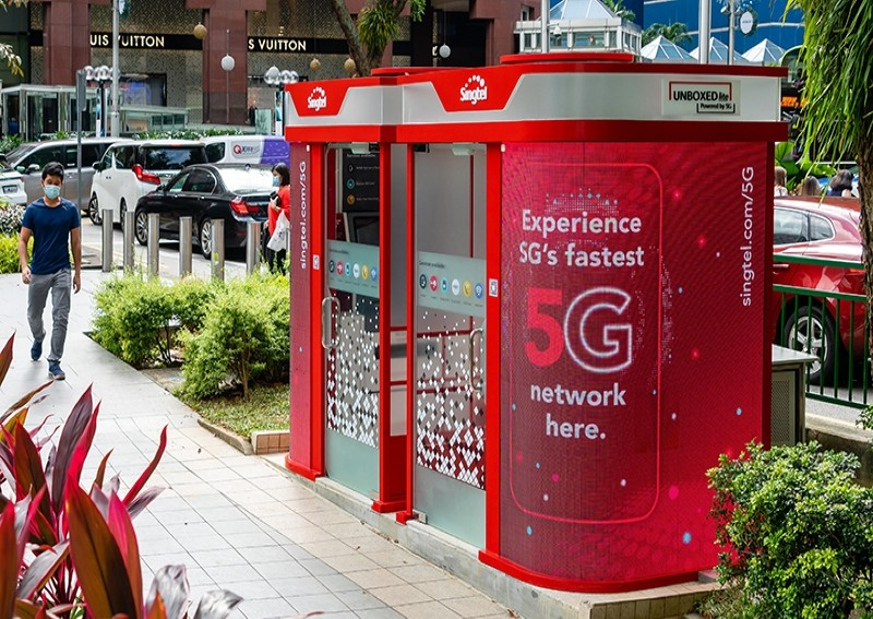 Within a year of receiving its 5G licence, Singtel has now launched 5G SA and installed 5G sites across Singapore in key areas like Orchard Road and Marina Bay. Photo courtesy: Singtel