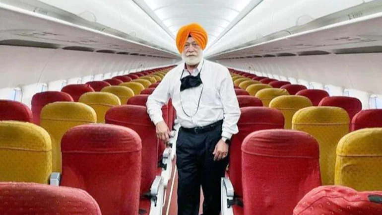 Oberoi paid AED 740 for his solo flight experience.
