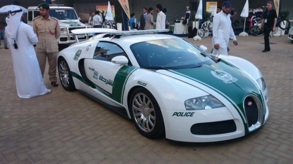 Dubai breaks Guinness record for world's fastest police ...  Fastest Police Car In The World 2013